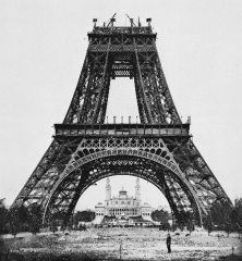 Construction_tour_eiffel5